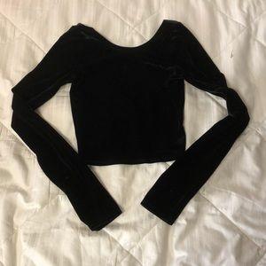 Abercrombie & Fitch black long sleeved velvet crop